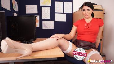 Kylie USJ white stockings 3